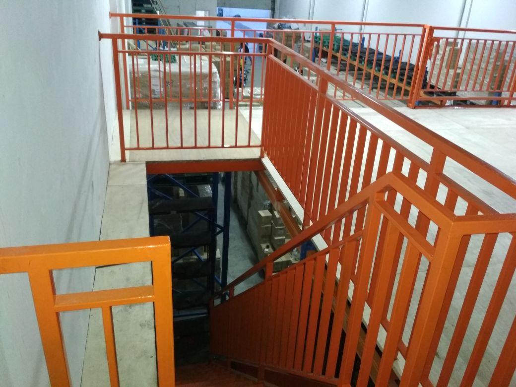 harga railing tangga besi hollow